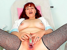 Zita - redhead, stockings, BBW, medical, gyno
