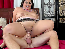 Tyung Lee - blowjob, brunette, shaved pussy, cumshot, fat, hardcore